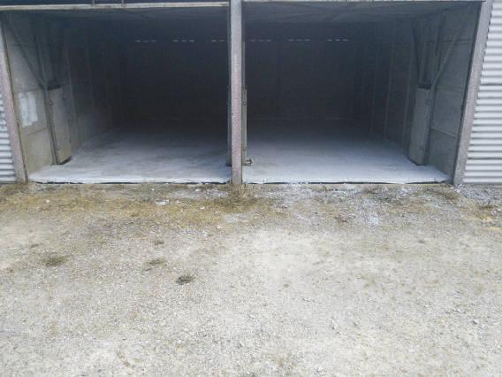 Deux garages bétonnés