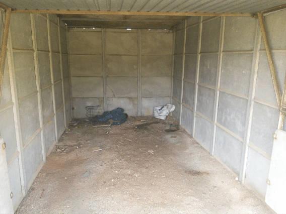 Un garage avant les travaux de rénovation